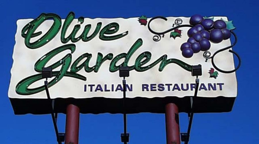 Darden to cut costs, revamp Olive Garden marketing