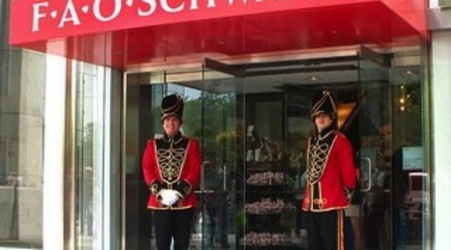 Closing/Opening in Manhattan: FAO Schwarz