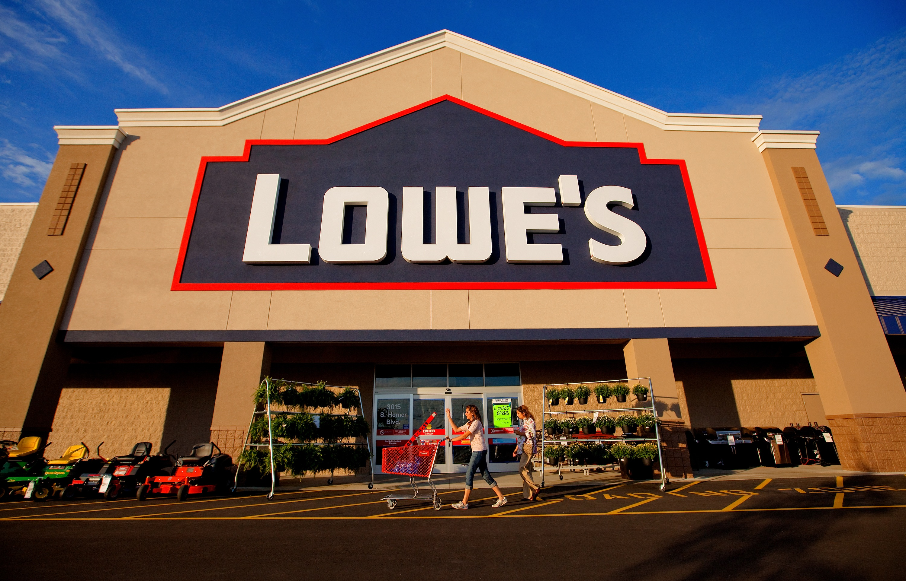 Lowe's Appoints Michael P  McDermott Chief Customer Officer